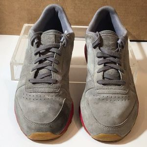 Reebok- gray with pink sneakers